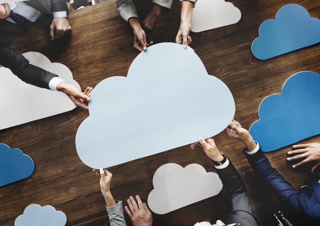 Para as empresas que progridem na transformação digital, a nuvem distribuída é uma abordagem que garante consistência e flexibilidade.