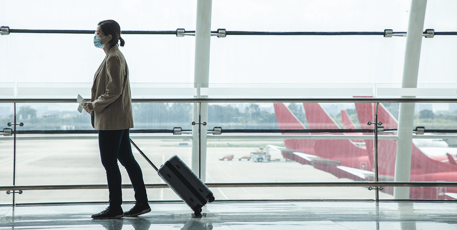 female-traveler_contactlesstrave_digital_solutions_pandemic_1500x757