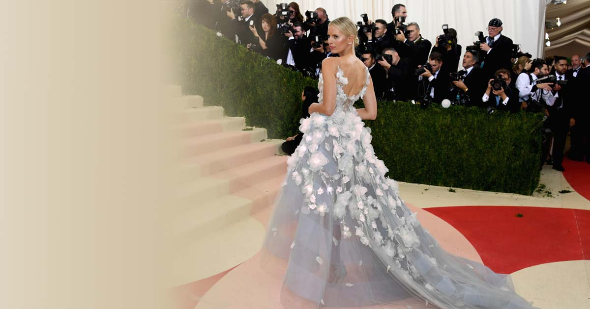 Cognitive Dress By Marchesa And Ibm Lights Up The Night At