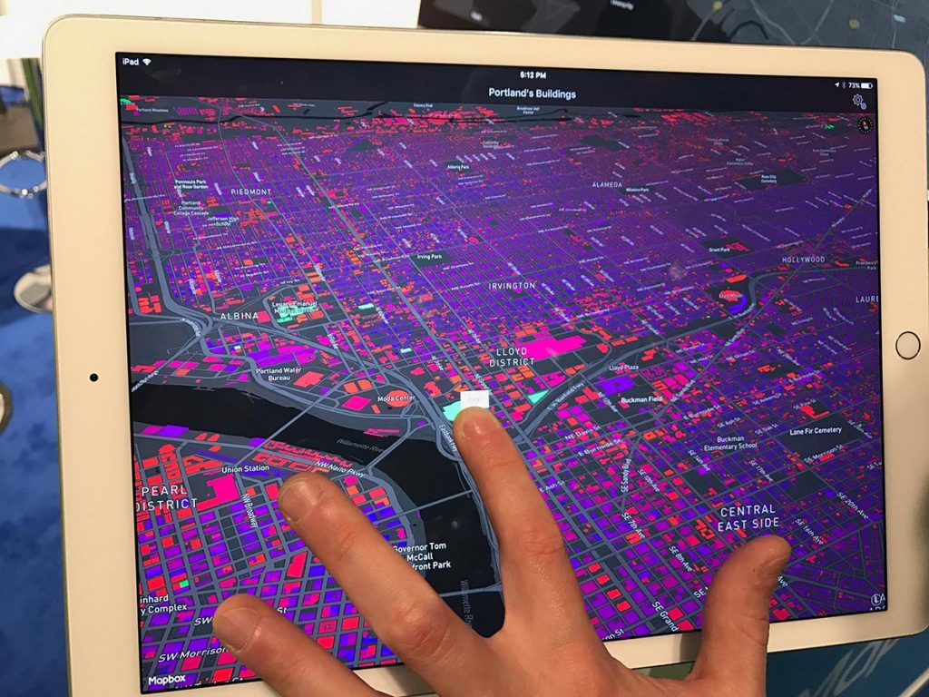 mapbox displays data visually on an iPad