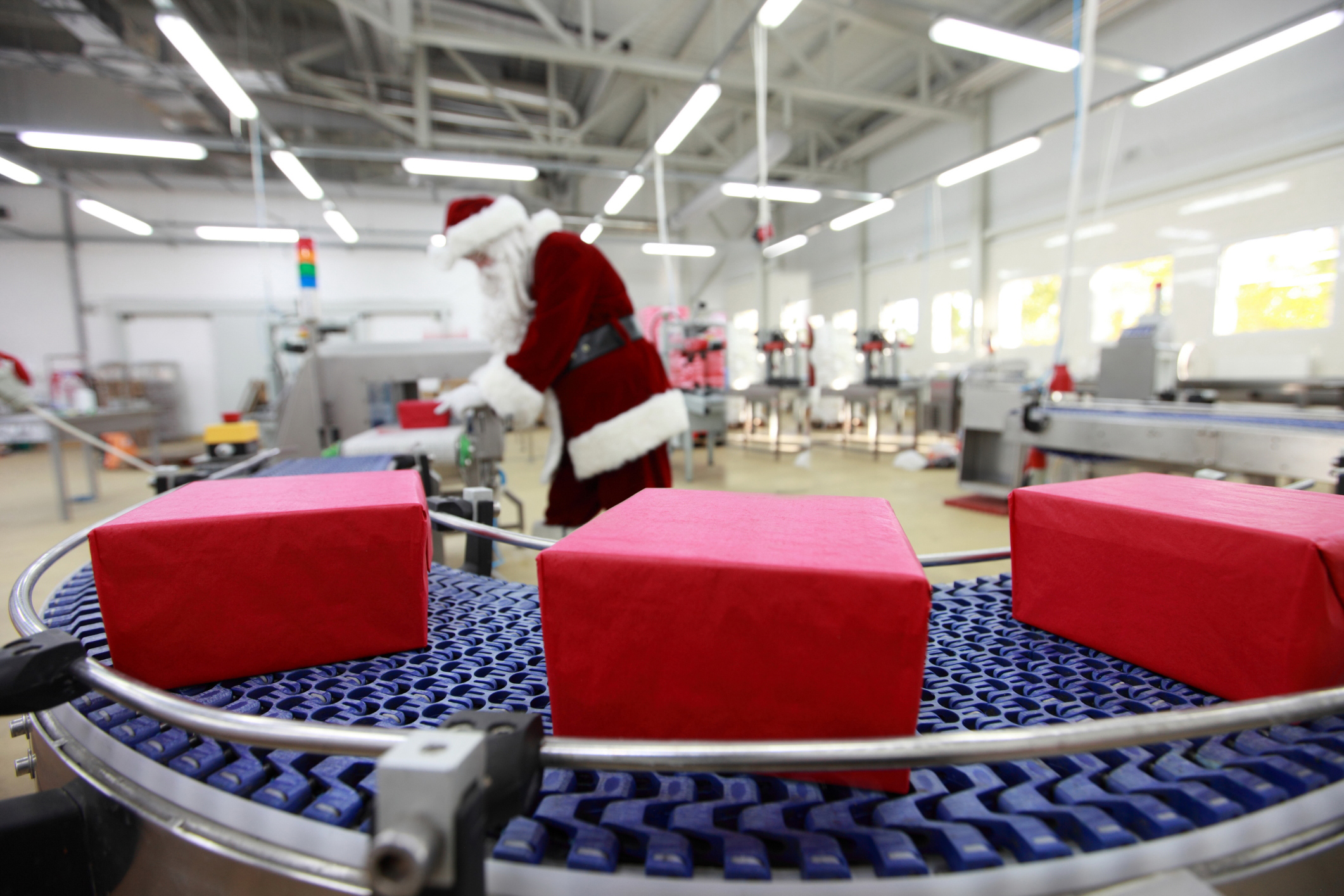 - santaInspection - Toy manufacturer replaces reliance on sketchy magic with IoT