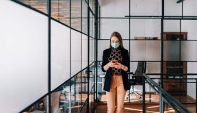 Intelligent space management + the right services: how to create the workplace experience we all need now