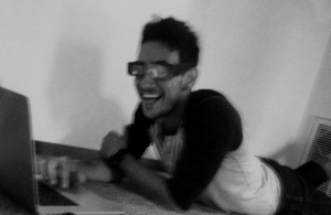 Arar laughs while wearing 3-D glasses.