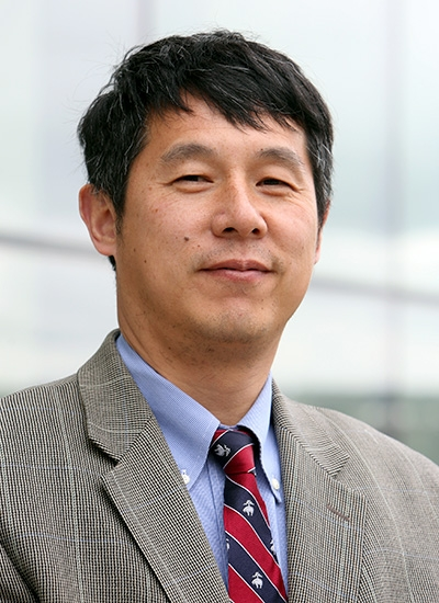 Hui Su, Director, Cognitive and Immersive Systems Lab. Photo courtesy of Rensselaer Polytechnic Institute.
