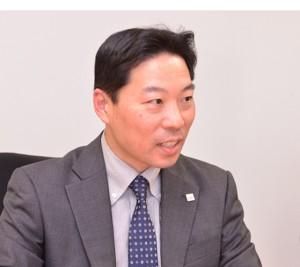石田俊勝氏