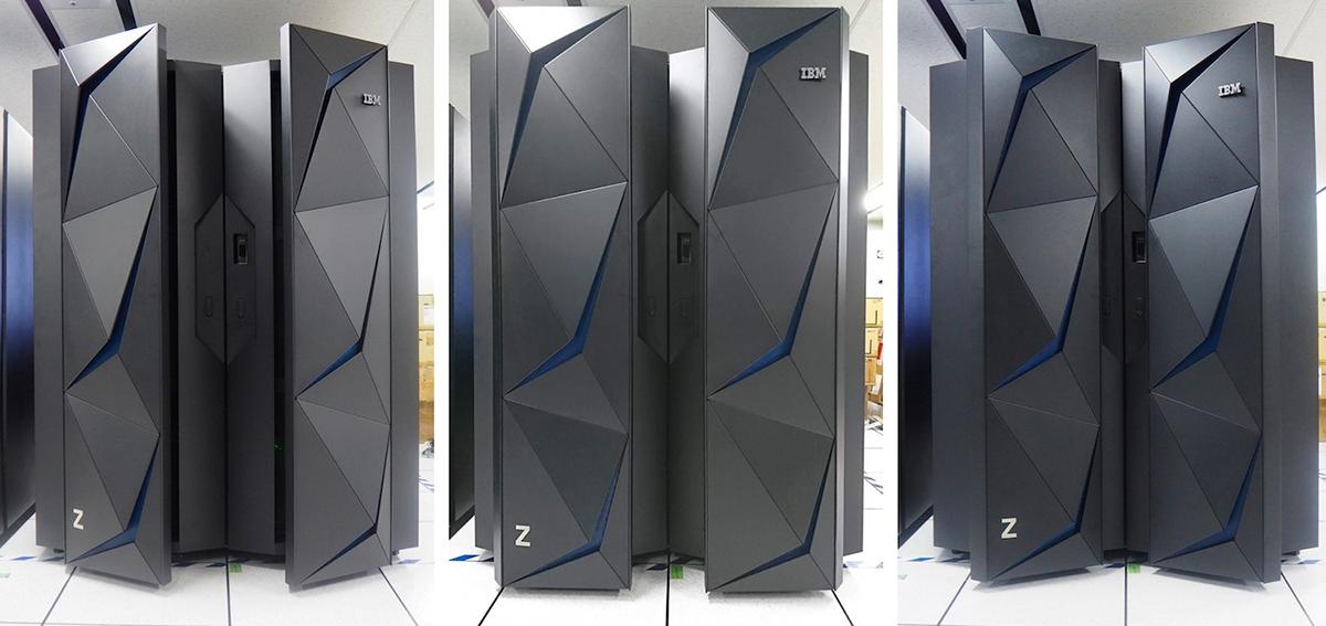 IBM z14のパネルが動く様子を表す画像