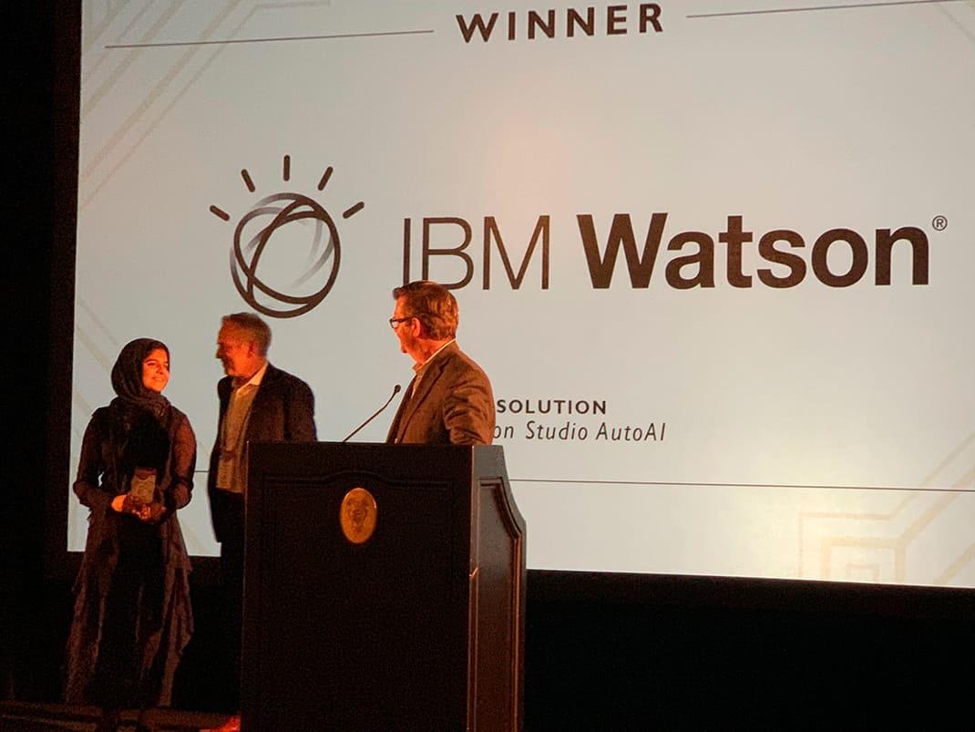サンフランシスコ AIconics AIサミットでのBest Innovation in Intelligent Automation Award 受賞の様子