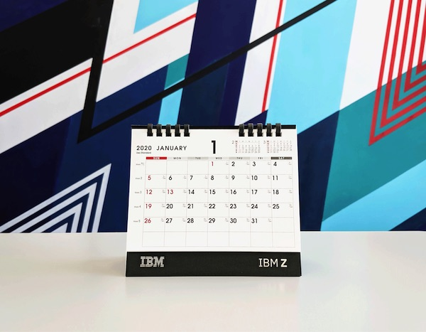 ジュリアンデート入り IBM Z 2020年卓上カレンダーの写真