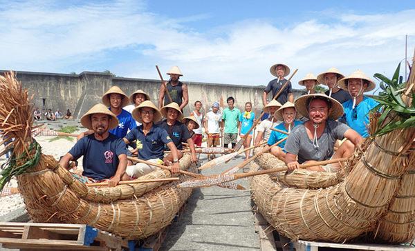草束舟の実験(2016年6月 与那国島)