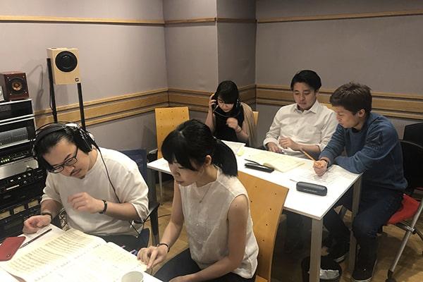 レコーディング音源チェックの様子(2019年)