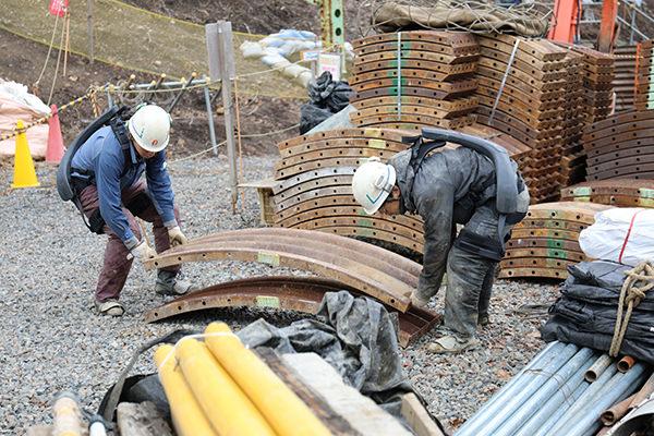 建設の現場で活躍するATOUN MODEL Y