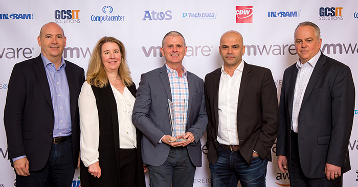 Representation of IBM Cloud as recipient of 2018 Global VMware Partner Innovation Award