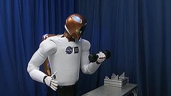 Robonaut 2: работает с людьми на земле и в космосе