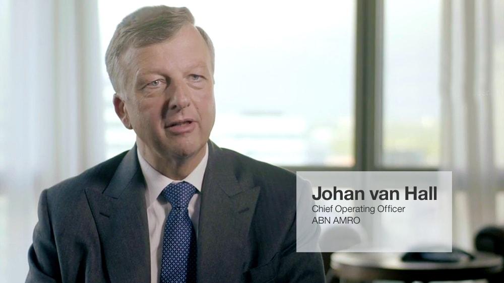 ABN AMRO spojí síly s IBM za účelem uspokojení rostoucí poptávky (YouTube, 2:39)